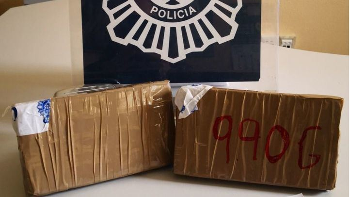 Detenidas dos personas al intentar sacar un kilo de heroína de la Cañada Real