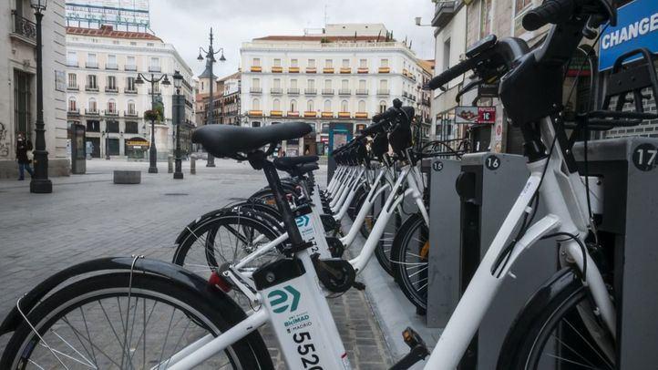 Las estaciones y bicicletas se desinfectan todas las noches para minimizar los riesgos de contagio.
