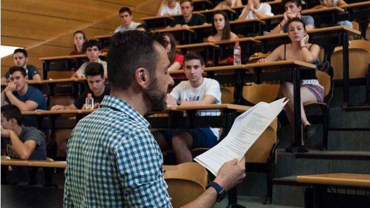 El curso universitario acabará en mayo pero algunas titulaciones contarán con clases presenciales en verano