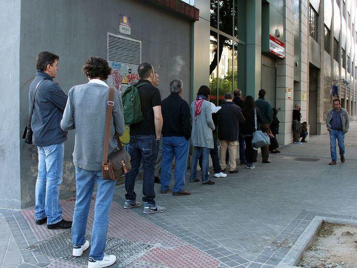 La Comunidad registra 20.600 desempleados más en el primer trimestre y llega a los 373.000 parados