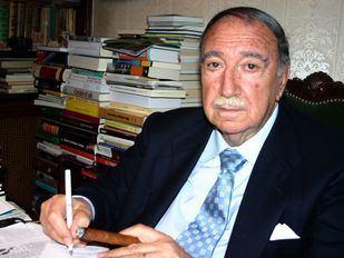 Juan José de Arteche: pasión por el teatro