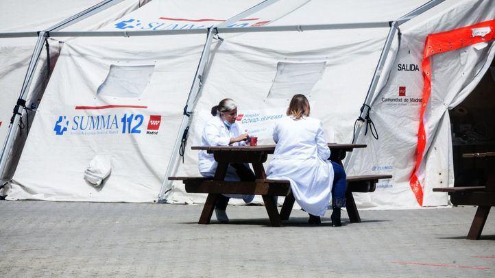 Personal sanitario en el ya clausurado Hospital de Ifema