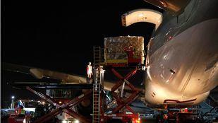 Aterriza en Barajas un sexto avión con material sanitario