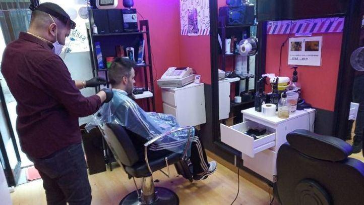 Las peluquerías y salones de belleza reabren este lunes entre grandes medidas de seguridad