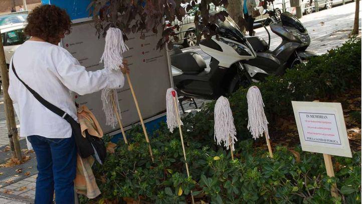 Protesta de limpadoras frente al Gregorio Marañón, en una foto de archivo.