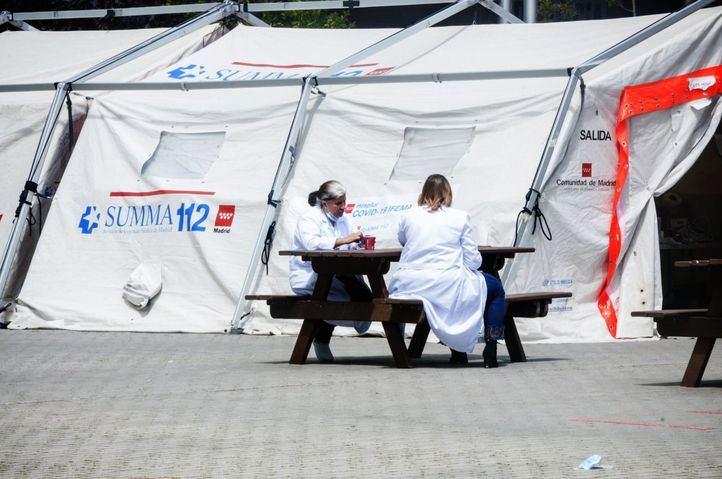 Estabilidad en los fallecidos con COVID en Madrid, con 44 más en 24 horas, aunque repuntan los contagios