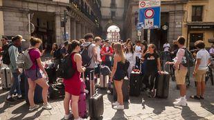 Turistas por las calles de la capital.