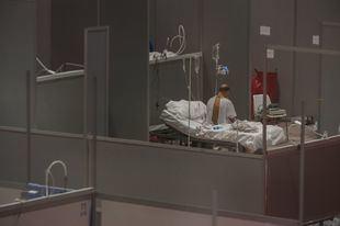 Los fallecidos diarios con COVID en Madrid caen a 38 y también bajan los infectados