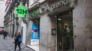 Ayuso anuncia el reparto gratuito de mascarillas FFP2 en las farmacias desde el lunes