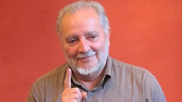 Julio Anguita, ingresado de urgencia por problemas de corazón