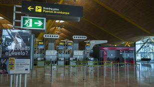 El tráfico aéreo durante la pandemia del coronavirus vacía las terminales de Barajas