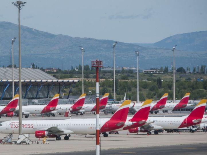 Pasajeros de un vuelo entre Madrid y Gran Canaria protestan por no cumplirse la distancia mínima