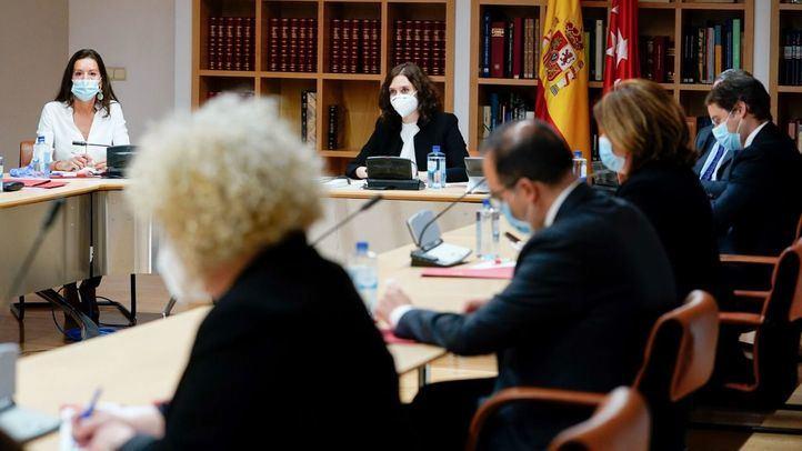 Díaz Ayuso analiza con la Federación Madrileña de Municipios la recuperación tras la crisis
