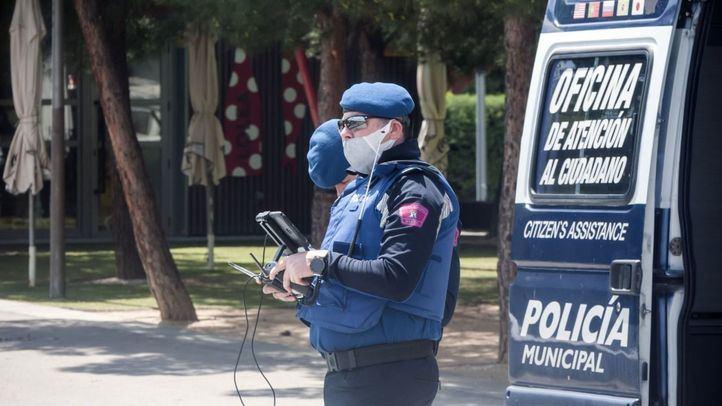 De baja por COVID-19 hasta 79 policías municipales, 33 Bomberos y 49 efectivos del Samur