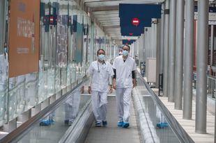 Madrid contabiliza 10.782 contagios de Covid-19 en sanitarios