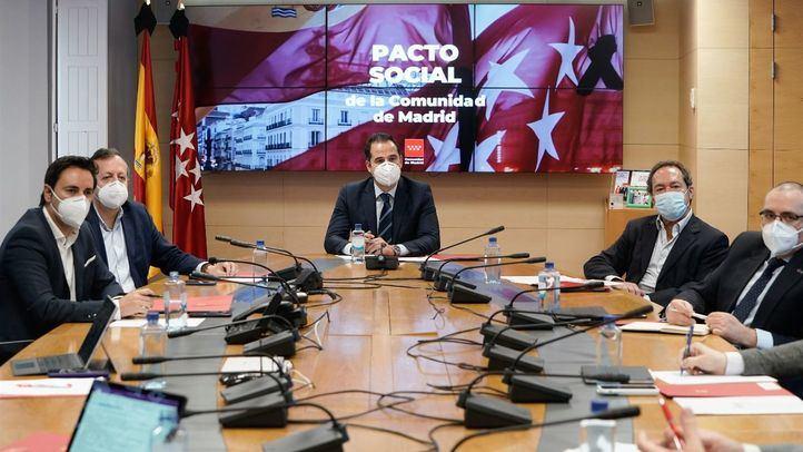 Primera reunión del Grupo de Trabajo por la Reconstrucción Social.