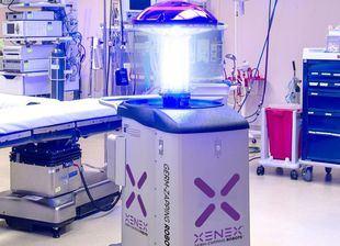 Xenex, el robot de desinfección que destruye el Covid-19 en 2 minutos.