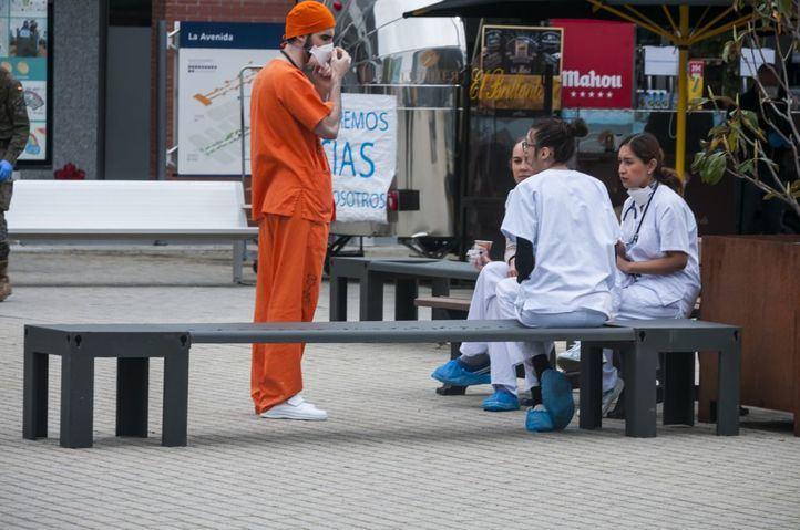 Los fallecidos diarios por covid caen a 19 en Madrid, pero suben los infectados