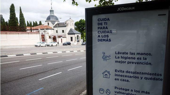 Actos austeros y pradera online en un San Isidro confinados