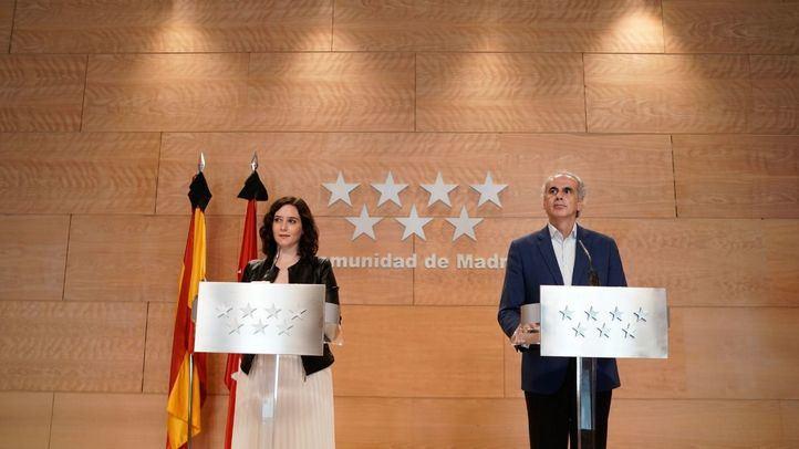Isabel Díaz Ayuso y Enrique Ruiz Escudero, en rueda de prensa
