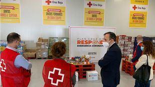 Alberto Reyero visita una de las seis Unidades de Respuesta Social de la Comunidad.