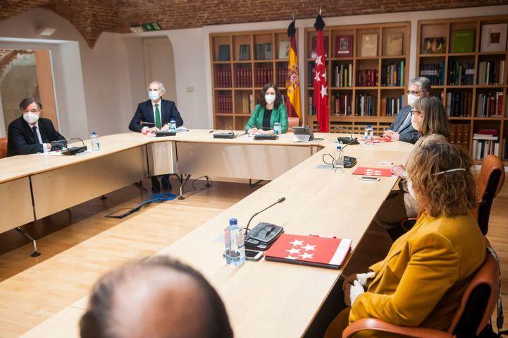 Madrid recalca que puede reforzar su área de Salud Pública con hasta 400 efectivos