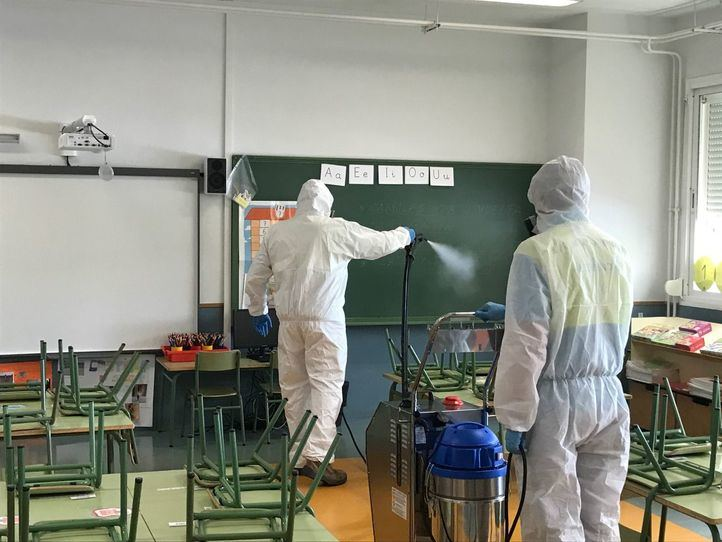 Desinfección de un colegio en Alcobendas.