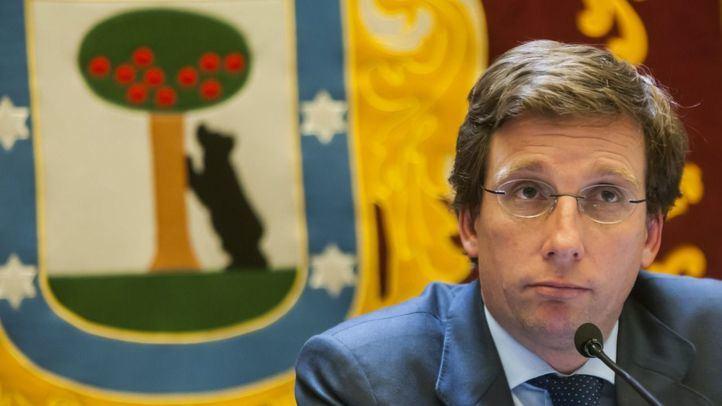 Almeida pide a Iglesias que agradezca la protección de la Guardia Civil