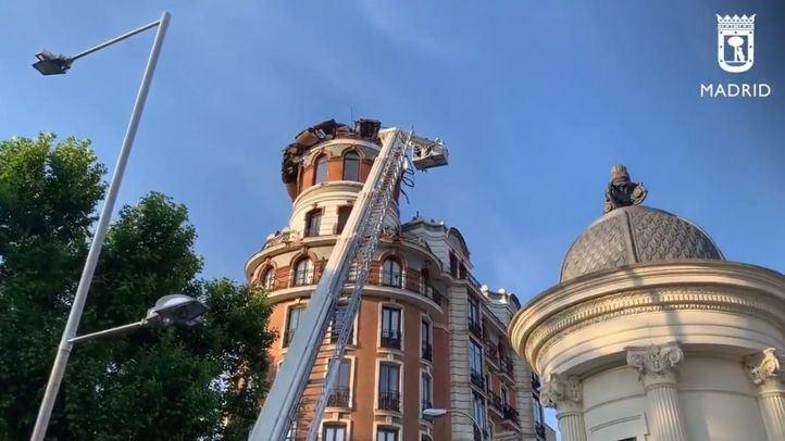 Se derrumba la cúpula de un edificio en la calle Alfonso XII