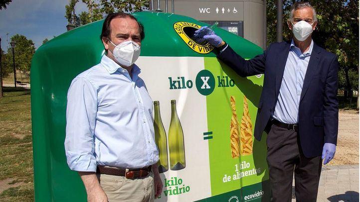 El Ayuntamiento de Madrid y Ecovidrio ponen en marcha una campaña para intercambiar kilos de vidrio por kilos de alimentos