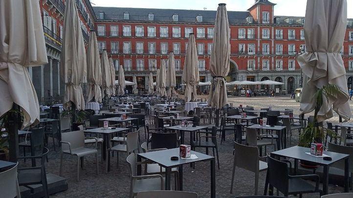 Solo el 15% de las terrazas de la Plaza Mayor abren el primer día de la fase 1