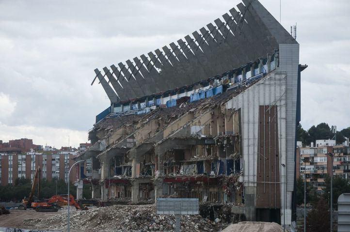 Ecologistas piden parar el derribo del Calderón por vertidos al Manzanares