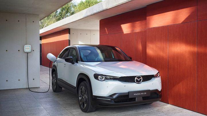 Iberdrola y Mazda firman un acuerdo de colaboración para impulsar la movilidad eléctrica ante el próximo lanzamiento del Mazda MX-30
