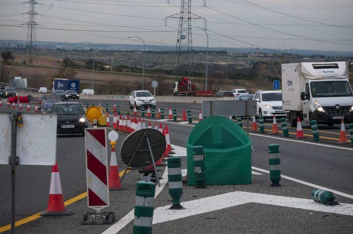 Obras en la M-40 con la carretera de Colmenar.