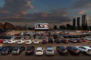 Abre el autocine de Madrid con la proyección de 'Grease'