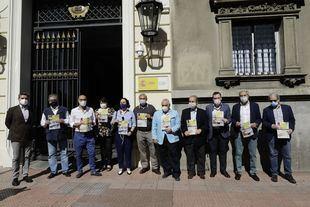 Representantes de Hostelería de Madrid se concentran en la Delegación del Gobierno para hacer entrega de un manifiesto en defensa del sector en la etapa post-Covid. En Madrid