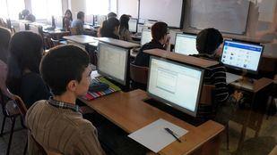 Miles de estudiantes madrileños no cuentan con conexión a Internet en casa para seguir sus clases.