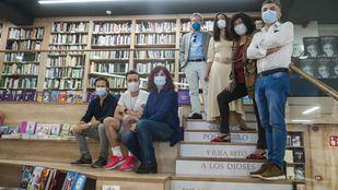 Escritores en la reapertura de la Casa del Libro