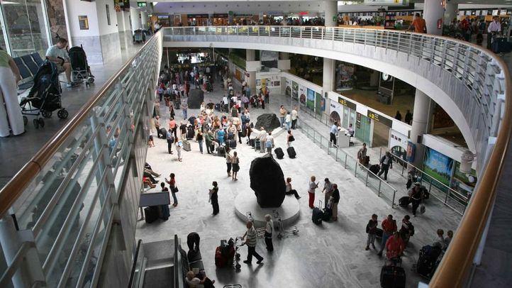 Catorce aislados al viajar un individuo infectado a Lanzarote