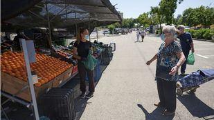 Los mercadillos al aire libre reanudan su actividad comercial