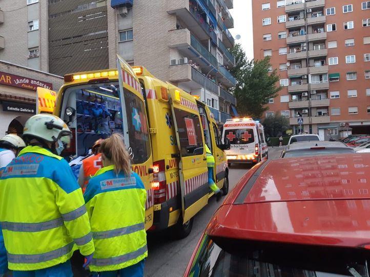 La madre fue trasladada al Hospital Puerta de Hierro, y el padre y la niña al Rey Juan Carlos