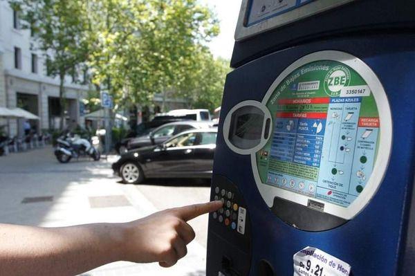 El Servicio de Estacionamiento Regulado (SER) vuelve a estar operativo en Madrid desde este lunes
