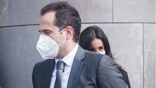 Ni Vox ni PP participarán en la reunión de Ignacio Aguado convocada para este lunes