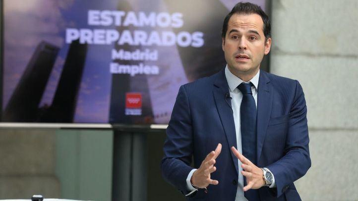 El vicepresidente, consejero de Deporte y Transparencia y Portavoz del Gobierno de la Comunidad de Madrid, Ignacio Aguado, durante la presentación de las líneas maestras del Plan de Acción para la Reactivación del Empleo