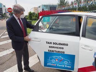 La Comunidad distingue a los taxis por sus 135.000 servicios gratuitos para sanitarios