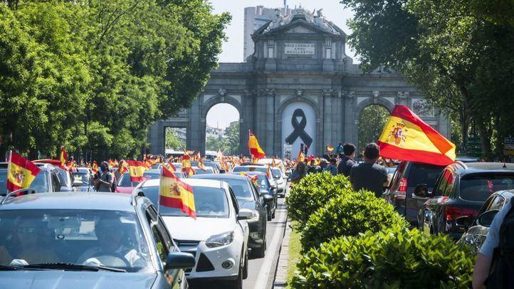 Caravana convocada por Vox para pedir la dimisión del Gobierno el pasado 23 de mayo de 2020.