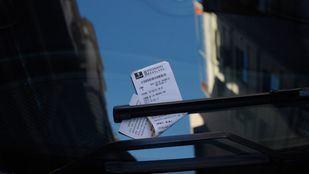 Tickets o recibos de multas del SER (Servicio de Estacionamiento Regulado).