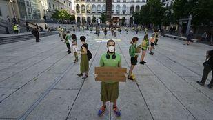 Protesta por el día del Medio Ambiente ante el Museo Reina Sofía