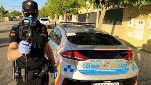 Arroyomolinos dota a la Policía Local de pistolas térmicas como elemento de prevención