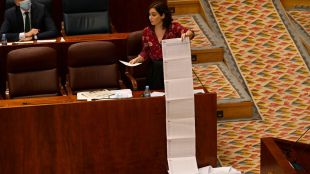 La oposición se enfrenta a Ayuso en la Asamblea por las residencias